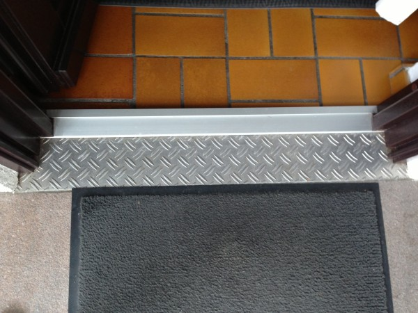Aluminium-Riffelblech-Trittblech-Zuschnitte