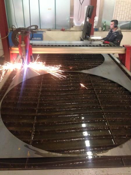 Grosse-Ringe-aus-Stahl