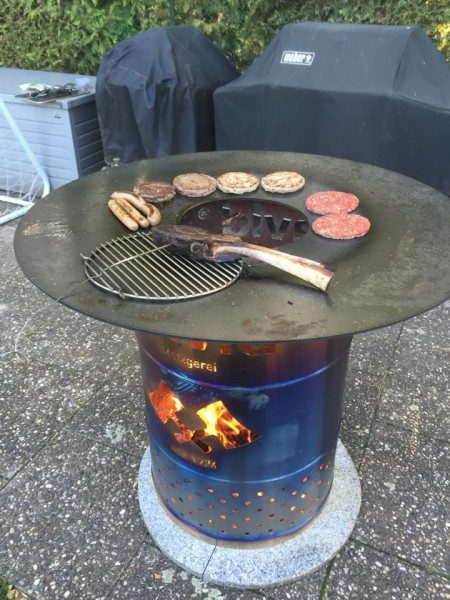 Barbeque-Feuerplatte-f-r-Ugly-Drum-Smoker