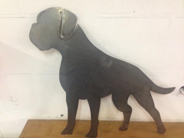 Dogge-Silhouette-aus-3mm-Stahl-gefertigt