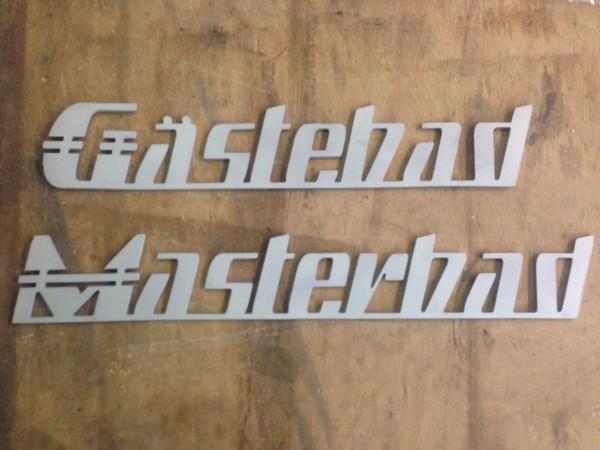 Design-Edelstahlschild-f-r-Eigenheimprojekt