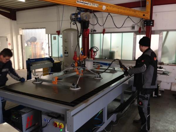 1mm-Stahlblechzuschnitt-Best-ckung-unserer-Plasmamaschine